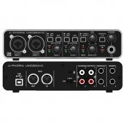 Interface de Áudio UMC204HD Behringer